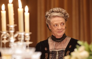 Downton-Abbey-2-Violet