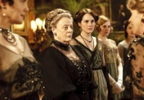 Downton-Abbey-Maggie-Smith-Michelle-Dockery-300x209