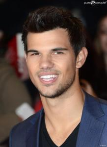 taylor-lautner-arriving-at-the-uk-950x0-1